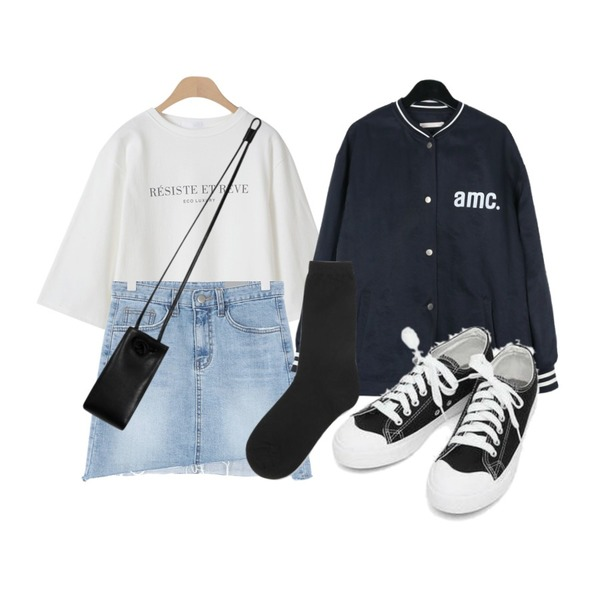 daily monday Cozy casual baseball jumper,OBBANG STYLE 에코 레터링 7부티셔츠,UPTOWN HOLIC 타린 데님 sk등을 매치한 코디