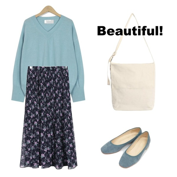 AIN maybe suede flat shoes (230-250),From Beginning Sky v-neck wool knit_M (size : free),daily monday Placid flower pleats skirt등을 매치한 코디