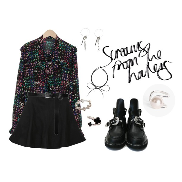 daily monday Unique buckle point walker,TWEE Ring drop earring,From Beginning Mirrorball dot blouse_M (size : free)등을 매치한 코디
