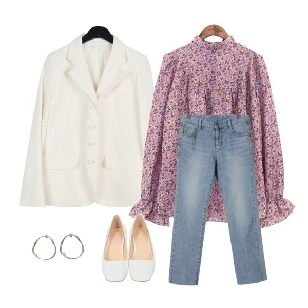 common unique [TOP] PANSY FLOWER SHIRRING BLOUSE,daily monday Elegant silhouette jacket,BANHARU antique shape earring등을 매치한 코디