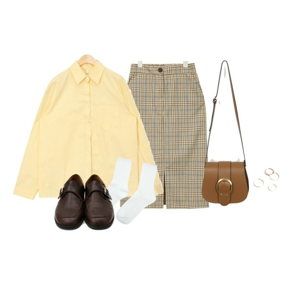 From Beginning Large buckle belt bag_M (size : one),AIN one day basic shirts,AIN able midi check skirt등을 매치한 코디