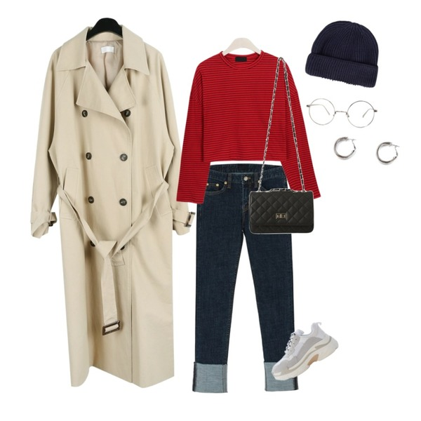 daily monday Button cross long trench coat,GIRLS RULE 베이직 단가라 크롭 티 (t4394),BANHARU roll-up slim straight pants등을 매치한 코디