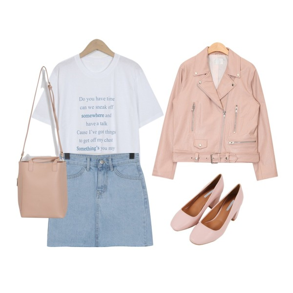 From Beginning Tiny cutting denim skirt_B (size : S,M,L),From Beginning Text half cotton T_S (size : free),From Beginning Soft daily middle bag_M (size : one)등을 매치한 코디