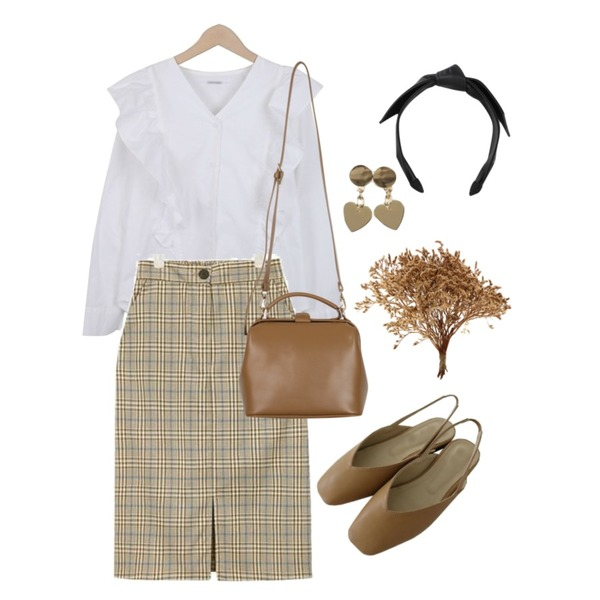 From Beginning Basket two-way bag_H (size : one),AIN able midi check skirt,myblin 프릴 포인트 블라우스등을 매치한 코디