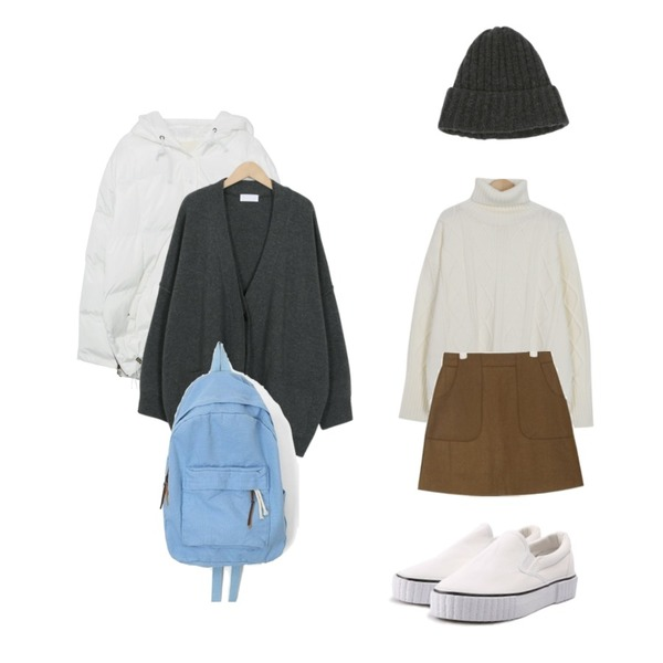 MIXXMIX 스노우 후드 패딩,AIN two pocket mini wool skirt (s, m),From Beginning Dia cable turtle knit_M (size : free)등을 매치한 코디
