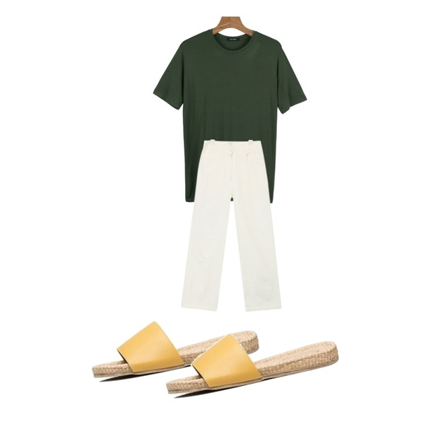 daily monday Daily soft silky tee,biznshoe Straw slipper (5color),AIN very good wide cotton pants (s, m)등을 매치한 코디