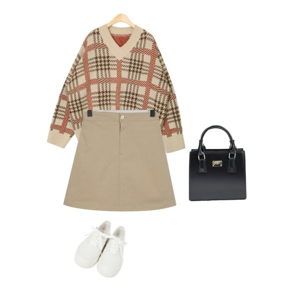 From Beginning Basic cotton sneakers_A  (size : 225,230,235,240,245,250),AIN one day tartan check knit,From Beginning Spring a-line cotton skirt_M (size : free)등을 매치한 코디