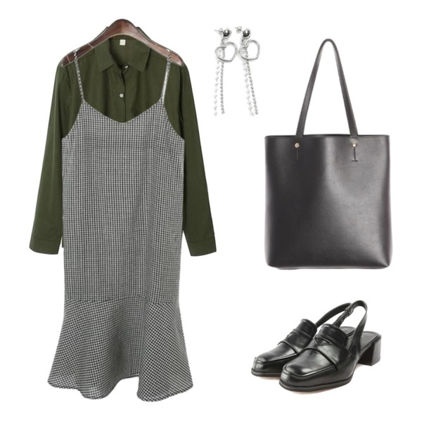 ROCOSIX check sleeveless strap dress,ROCOSIX standard fit shirts,ROCOSIX square slingback heel등을 매치한 코디