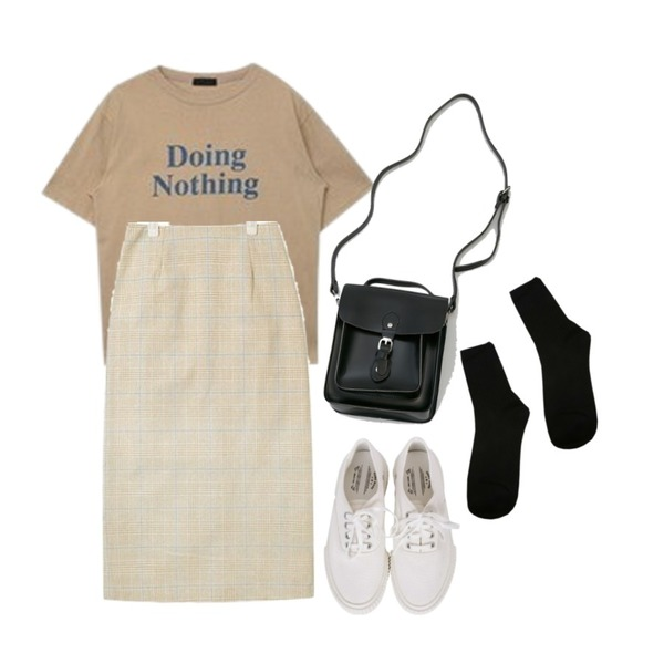BANHARU belted vintage square bag,MIXXMIX Nothing Lettering Top,AIN matching check skirt (s, m)등을 매치한 코디