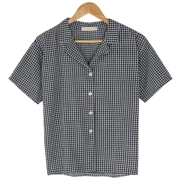 loose fit check pattern shirts
