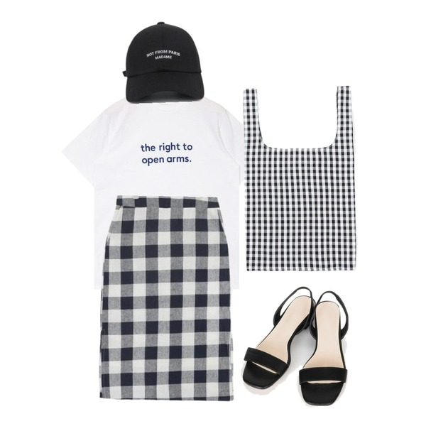 AIN big check H-line skirt,AIN open arms lettering T,AIN clean strap heel (230-250)등을 매치한 코디