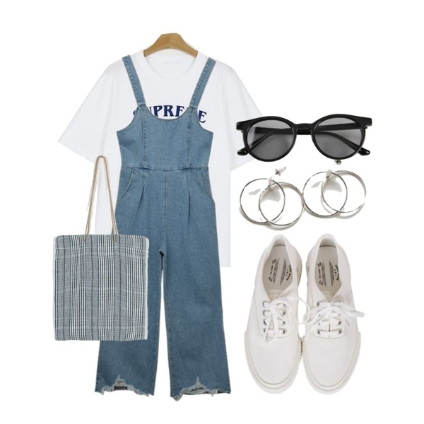daily monday Tartan check linen bag,MIXXMIX Denim Wide Overalls,somedayif skating tee (3colors)등을 매치한 코디