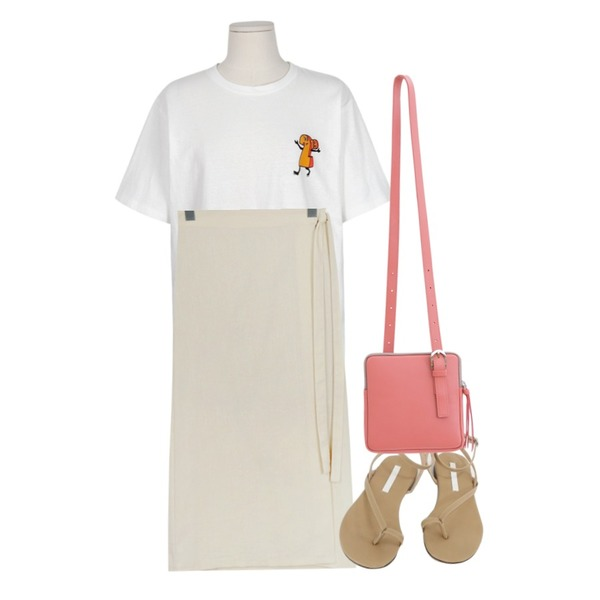 daily monday Simple angle strap sandals,From Beginning Blue topping T_B (size : free),From Beginning Smooth linen wrap skirt_B (size : free)등을 매치한 코디