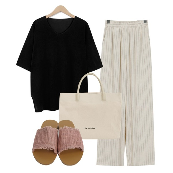 From Beginning Real banding stripe pants_B (size : free),From Beginning Audrey loose v-neck knit_B (size : free),From Beginning Over square tote bag_B (size : one)등을 매치한 코디