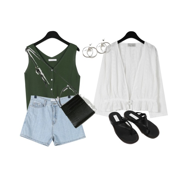 daily monday Pure punching string cardigan,daily monday Washing color denim shorts,daily monday Clear v-neck knit sleeveless등을 매치한 코디