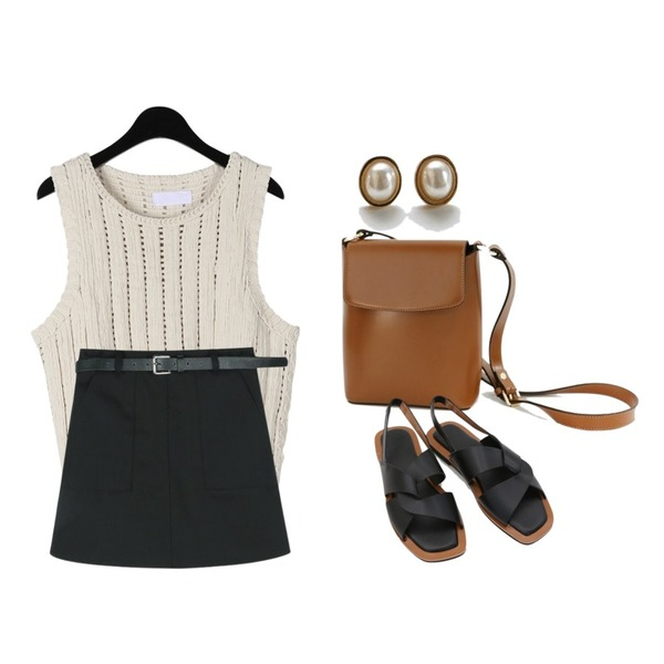 daily monday Tidy square shoulder bag,daily monday Delicate pearl earrings,daily monday Outline point knit sleeveless등을 매치한 코디