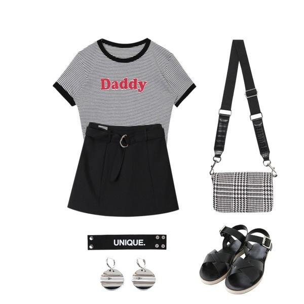 openthedoor D-ring mini skirt (3 color),Zemma World 자체제작/ Needs-X스트랩샌들[size:230~250 / 2color],openthedoor daddy stripe crop T (3 color)등을 매치한 코디