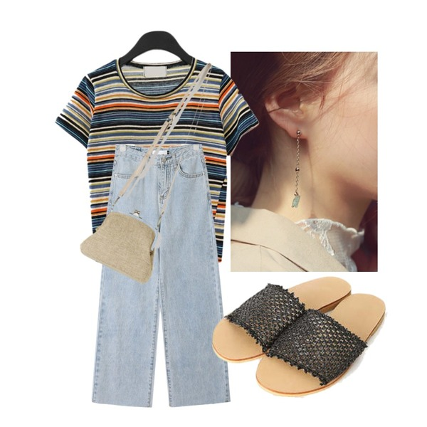 daily monday Mint gemstone earring,AFTERMONDAY tropical stripe T-shirt (2colors),AIN wing straight denim pants (s, m, l)등을 매치한 코디
