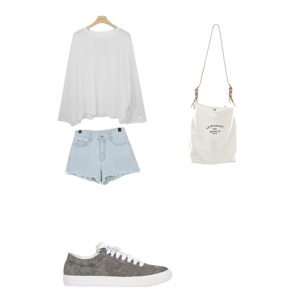 From Beginning Zig cutting denim shorts_M (size : S,M,L),AIN joy color sneakers (225-250),BLINGIT 루즈핏라운드티셔츠등을 매치한 코디