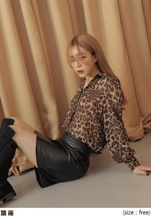 LEOPARD SEETHROUGH BLOUSE