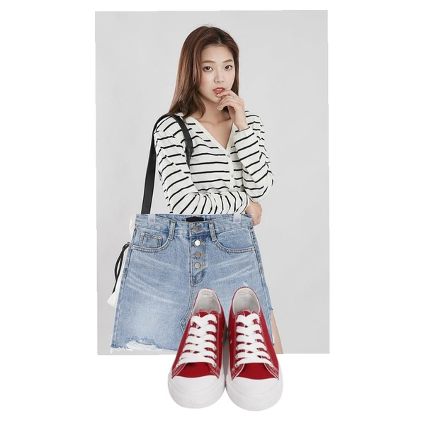 From Beginning Purcell cotton sneakers_M (size : 230,235,240,245,250),ROCOSIX 오트밀 스트라이프 가디건,AIN button cutting mini skirt (s-xl)등을 매치한 코디