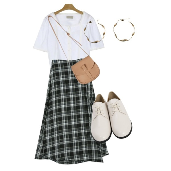 From Beginning Journal daily loafer_K (size : 230,235,240,245,250),daily monday Autumn check wrap skirt,somedayif lace crop blouse (2colors)등을 매치한 코디