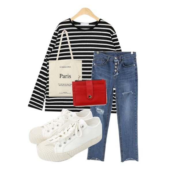 MESMIN 4버튼 엉찢 데님팬츠,daily monday Simple every day sneakers,AIN rolly linen stripe T등을 매치한 코디