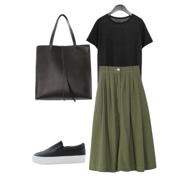BANHARU stitch banding flare skirt,LOVELY SHOES 디콩 가죽 슬립온 3.5cm,AFTERMONDAY washed color linen tee (3colors)등을 매치한 코디