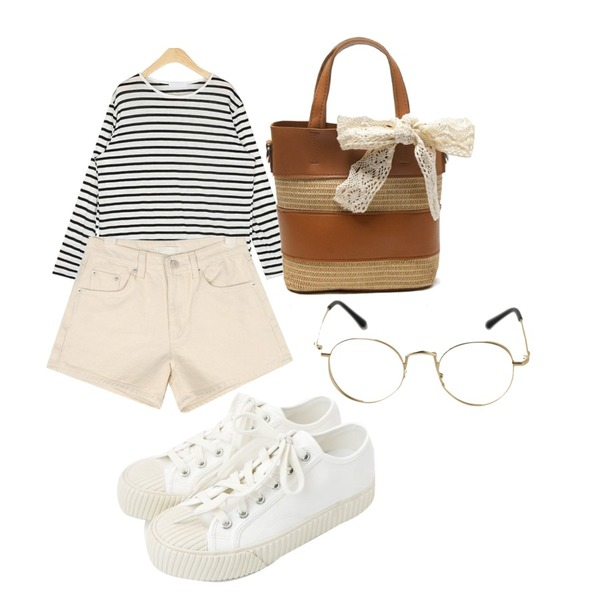 daily monday Simple every day sneakers,AIN cream short pants (s, m, l),AIN rolly linen stripe T등을 매치한 코디