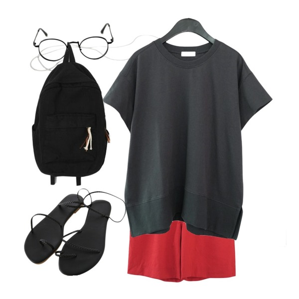 AFTERMONDAY tidy pintuck half pants (3colors),AFTERMONDAY short sleeve cotton mtm (3colors),AIN metal glasses chain등을 매치한 코디