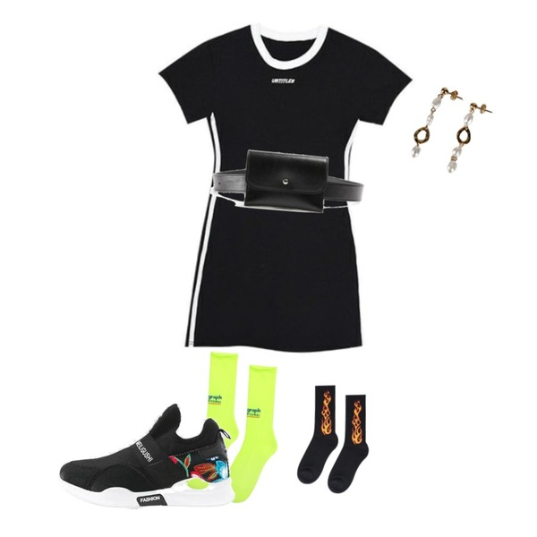 MIXXMIX Track Tight Onepiece,openthedoor flame ankle up socks (2 color),openthedoor international ankle socks (3 color)등을 매치한 코디