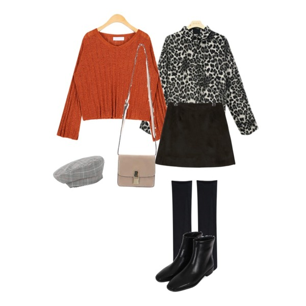 AIN maple see-through knit,daily monday Glen check buckle beret,BLINGIT 레오파드블라우스등을 매치한 코디