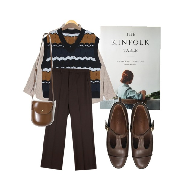 kinfolk table,AIN july stripe over fit shirts,TODAY ME 슈미 니트조끼등을 매치한 코디