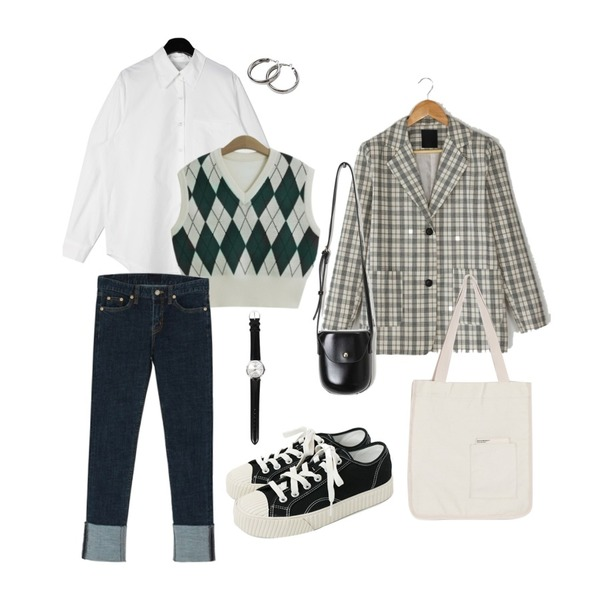 BANHARU boxy fit two button check jacket,openthedoor bold silver earring,daily monday Tidy silhouette cotton shirt등을 매치한 코디