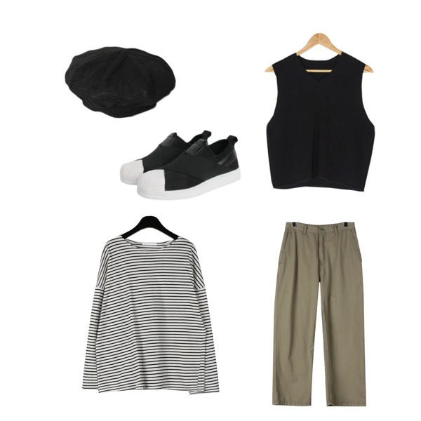 AFTERMONDAY summer light beret,daily monday Clear stripe pattern sleeve tee,daily monday Casual cotton washing pants등을 매치한 코디