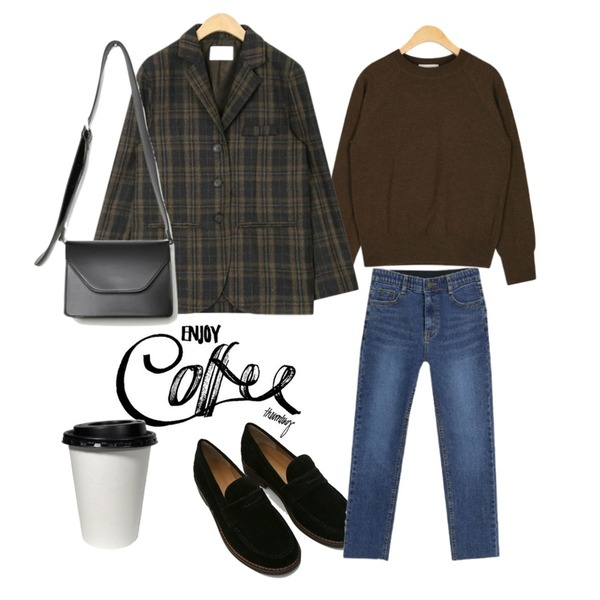 insta @thewriting,AIN raglan sleeve basic knit,daily monday Solid suede loafer등을 매치한 코디