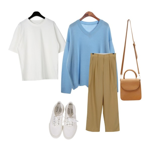 ROCOSIX jelly V-neck KN,From Beginning Wonder pin-tuck loose slacks_S (size : S,M,L),daily monday Sturdy simple half tee등을 매치한 코디
