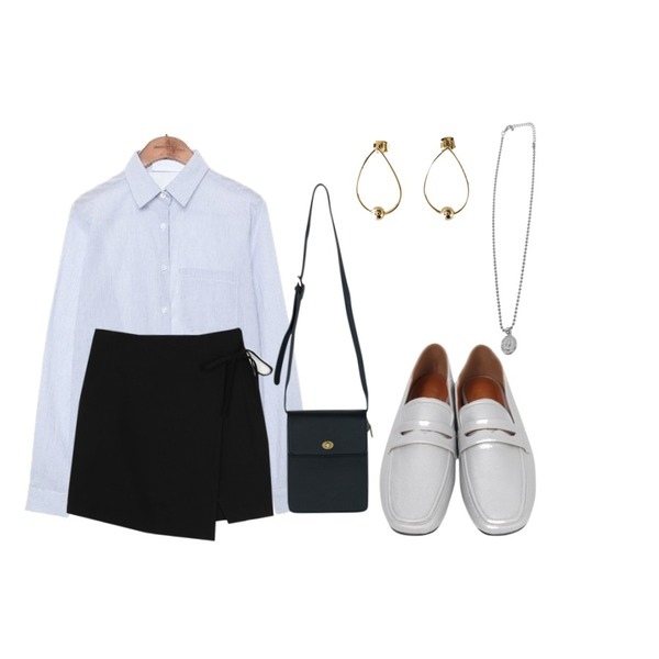 common unique [TOP] STANDARD CALM STRIPE SHIRTS,AWAB 마벨랩미니스커트,From Beginning Skin two-way loafer_H (size : 230,235,240,245,250)등을 매치한 코디