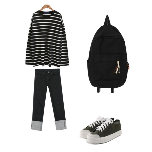 daily monday Raw black roll-up denim,common unique [TOP] STRIPE ROUND BOXY LONG T,ROCOSIX daily chunky sneakers등을 매치한 코디