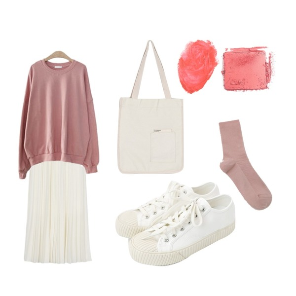 daily monday Purity pleats skirt,daily monday Simple every day sneakers,ENVYLOOK [22XX]세븐데이즈맨투맨등을 매치한 코디