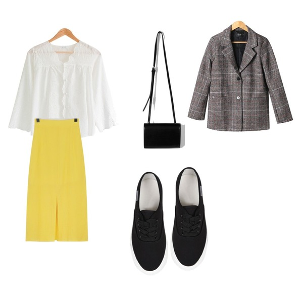 From Beginning Crow cutting long skirt_B (size : free),daily monday Simple shape cross bag,MASHYELLOW 마요 레이스 펀칭 블라우스 (3colors)등을 매치한 코디