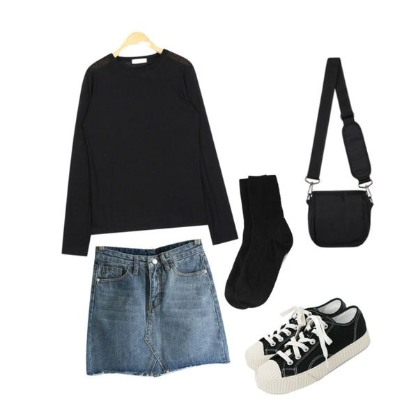daily monday Simple every day sneakers,BANHARU 12 colors golgi socks,AIN appealing round T등을 매치한 코디