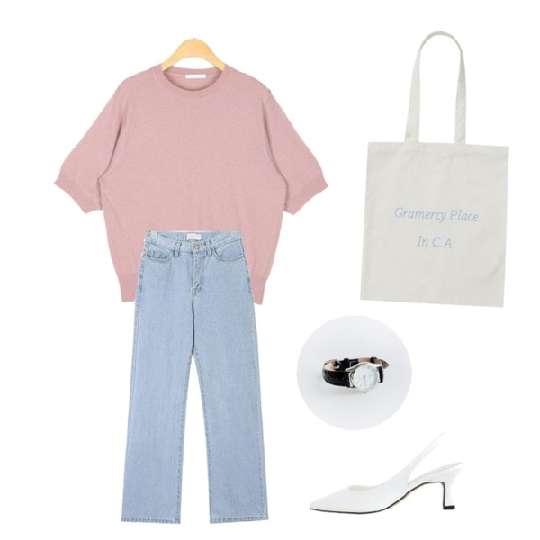 From Beginning Pastel lettering cotton bag_H (size : one),AIN youse semi boots denim pants (s, m),AIN any round wool knit등을 매치한 코디
