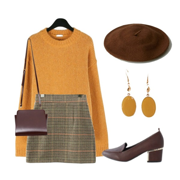 daily monday Vivid alpaca round knit,common unique [SKIRT] HOUND CHECK A LINE MINI SKIRT,LOVELY SHOES 헬리나 미들힐 펌프스 5cm등을 매치한 코디
