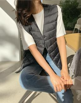V-neck lightweight vest