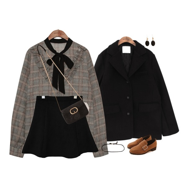 common unique [OUTER] STANDARD WOOL JACKET,common unique [SKIRT] SUEDE FLARE MINI SKIRT,common unique [TOP] RIBBON TIE CHECK FRILL BLOUSE등을 매치한 코디