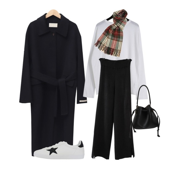 daily monday Plain loose t-shirts,From Beginning Belted mac handmade coat_J (울 90%) (size : free),AFTERMONDAY slit wide knit pants (2colors)등을 매치한 코디