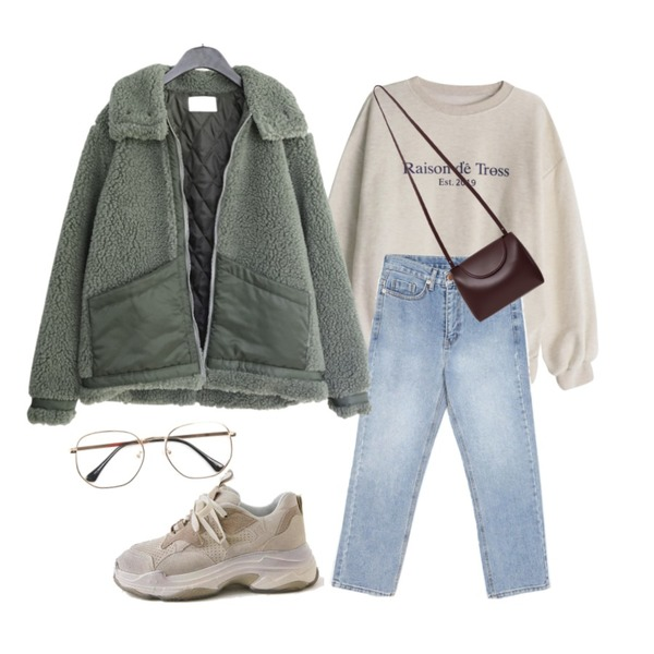 GIRLS RULE 이스트 2019 기모 맨투맨 (t5730),openthedoor straight-fit denim pants (2 color),AFTERMONDAY mustang mood fuzzy jumper (2colors)등을 매치한 코디