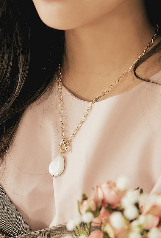 FW Pearl Necklace