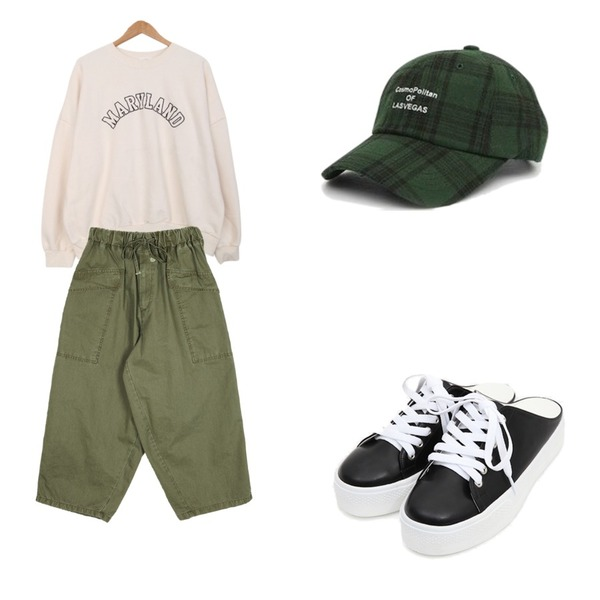 AIN casual sneakers slippers (2 colors),openthedoor over-fit balloon pants (2 color) - UNISEX,BULLANG GIRL 메리랜드로MTM등을 매치한 코디